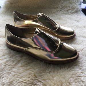 BCBG Max Azria Gold 8B Leather Loafers